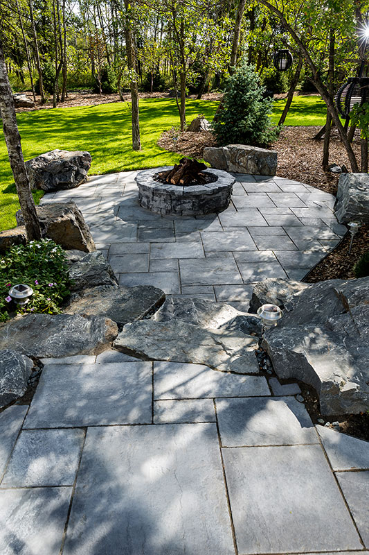 Rosetta Dimensional Flagstone with firepit